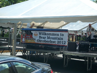 Bear Mountain Oktoberfest: Wilkomen